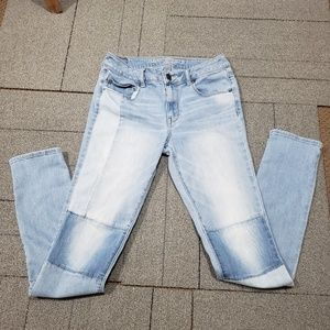 AE Knee Patch Jean's Size 8 Tall
